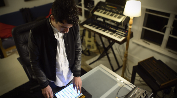 Dauwd with Push and hardware synthesizers