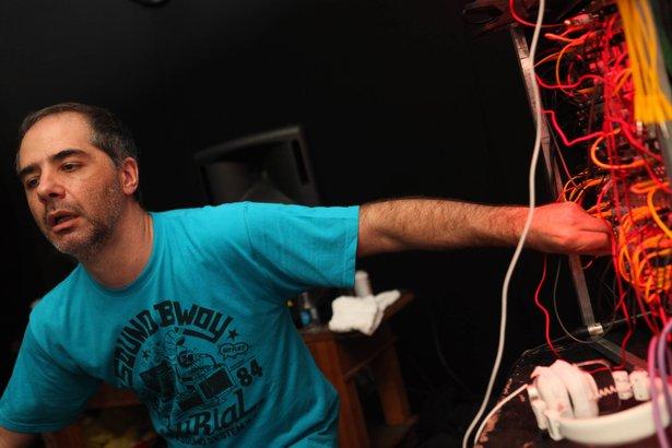 Marote und sein Modular-Synthesizer (2011)