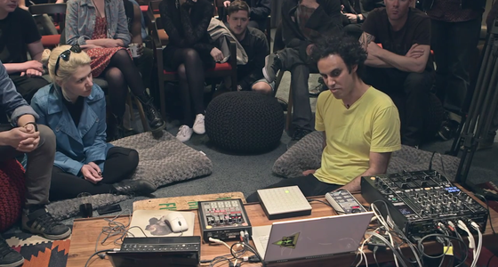 Four Tet explains his live setup